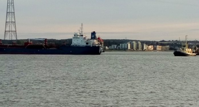 Tanker gets into difficulties on River Thames near Grays