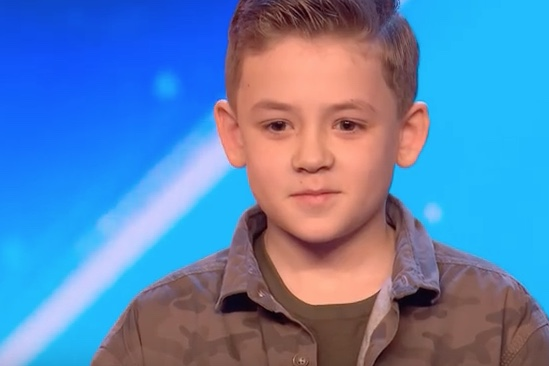 Young performer wows Britain's Got Talent