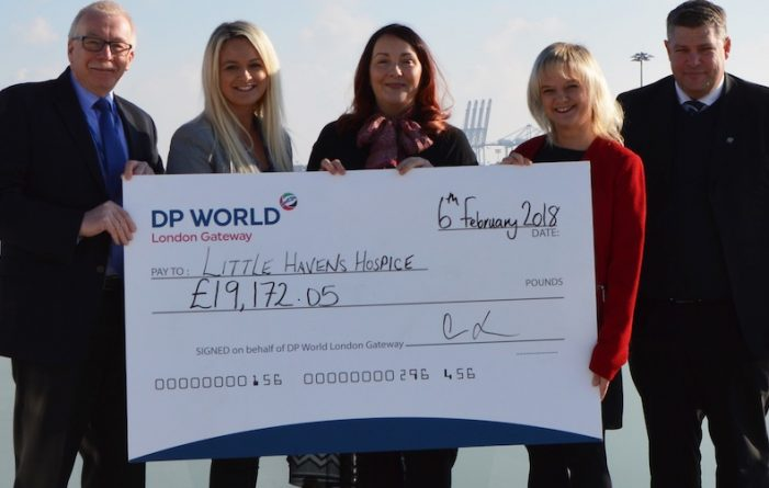 DP World present cheques to Little Havens Hospice and Meningitis Now