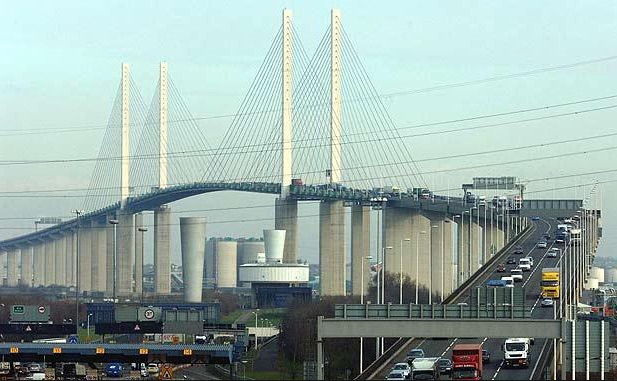 Wednesday traffic and travel: Dartford Tunnel closed after crash