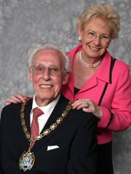 Tributes made to former mayor of Thurrock, John Everett