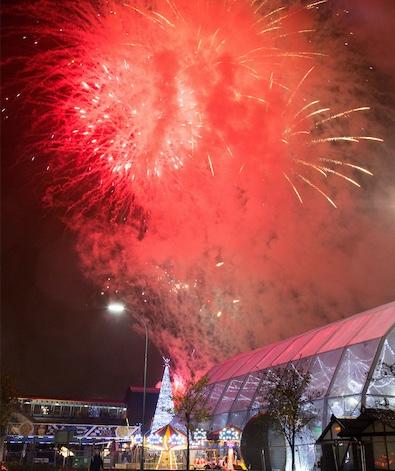 Festive spirits rise at intu Lakeside's lights switch on