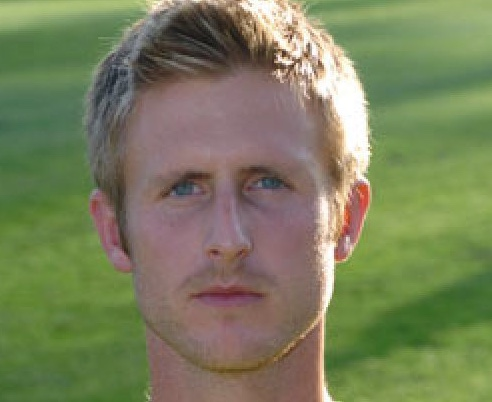 Football: Nicky Eyre returns to Grays Athletic