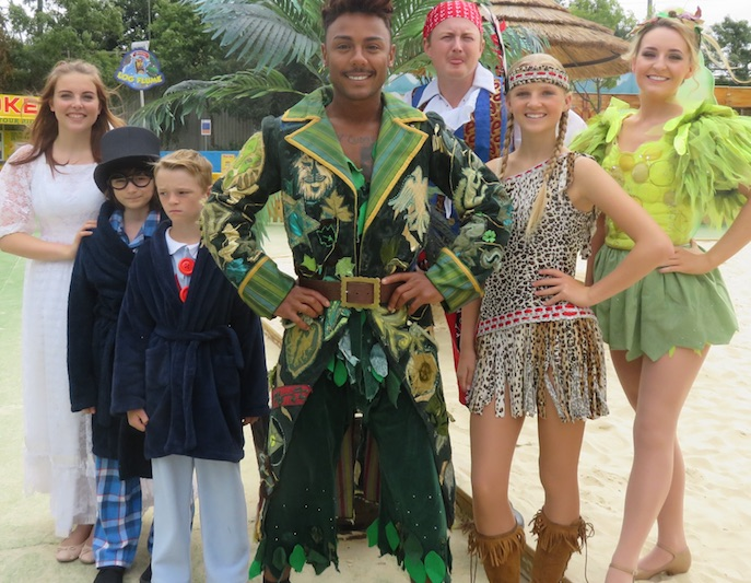 Thurrock's Looked After Children to go to the panto