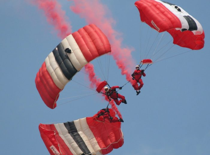 Red Devils set to parachute into Lakeside for Poppy Appeal