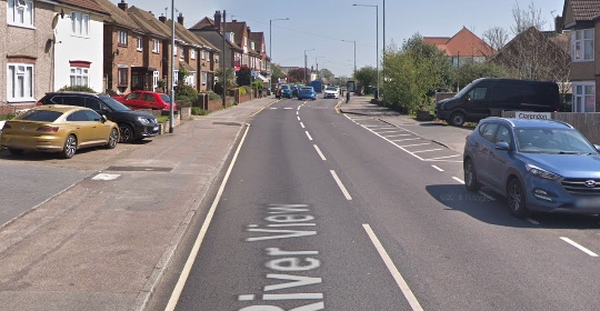 Knifepoint robbery in Chadwell St Mary