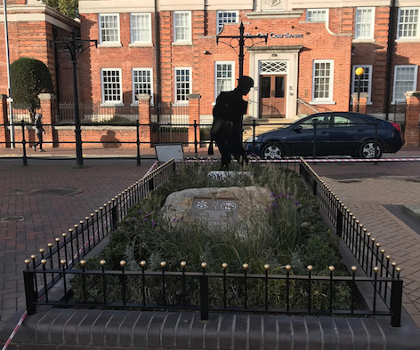 Grays War Memorial: Improvements to deter people from congregating at cenotaph