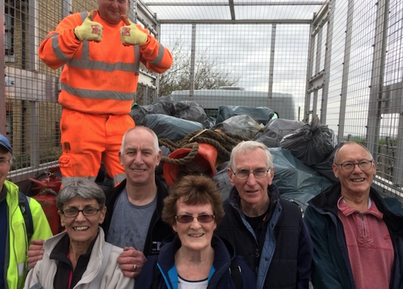 Grays Beachcombers clean up Purfleet foreshore