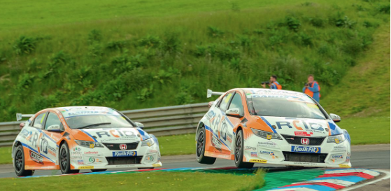 More silverware for Cobra Sport AmD with AutoAid/RCIB Insurance Racing at Thruxton