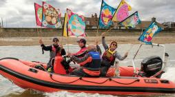 Thames Estuary Yacht Club help T100 walkers cross the Thames