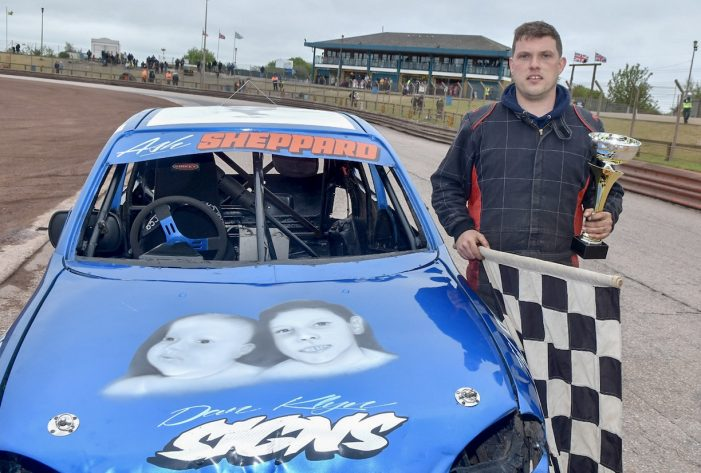 Arena Essex: Sheppard dominates Stock Road final