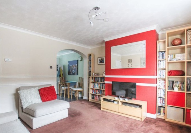 Property: Two bedroom flat off Teviot Avenue, Aveley