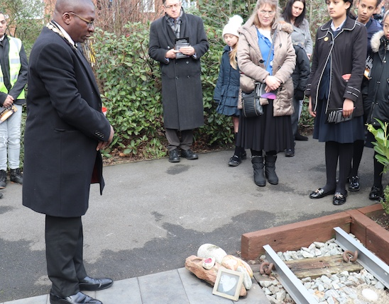 Thurrock marks Holocaust Memorial Day