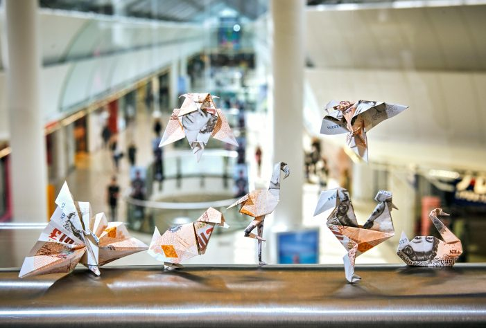 intu Lakeside releases origami money 'birds' to delight shoppers