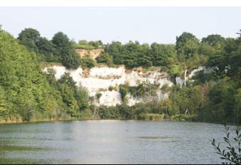 Man trapped in quarry in Chafford Hundred