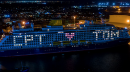 Cruise ship at port of Tilbury pays tribute to Captain Tom