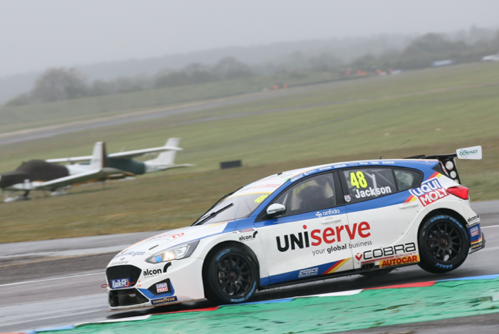 Double top ten start start for MB Motorsport accelerated by Blue Square at Thruxton