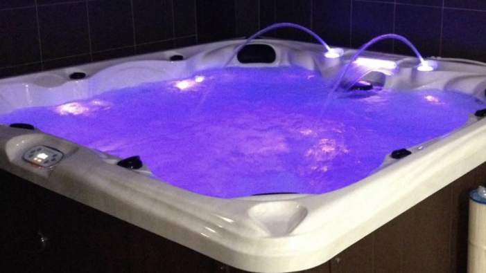 GP's receptionist from Corringham has leg and all her toes amputated after hot tub party