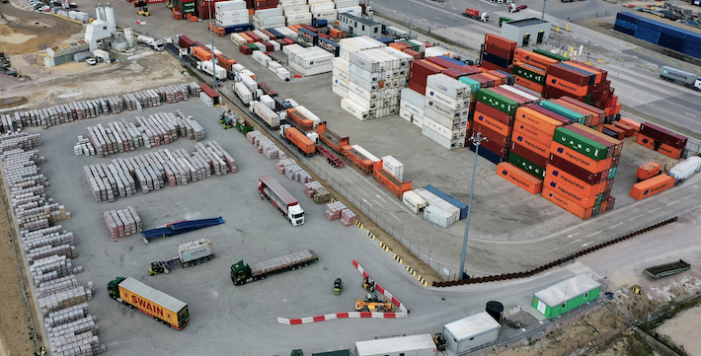 DP World signs three year deal with major UK road transport operator
