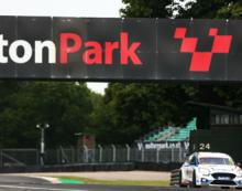 MB Motorsport prepare for battle at Oulton Park