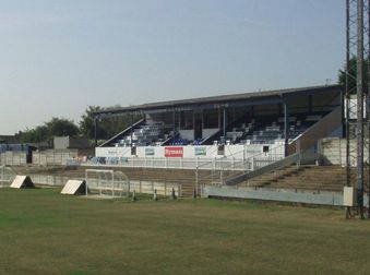 Football: Aveley start to lose grip on play off place