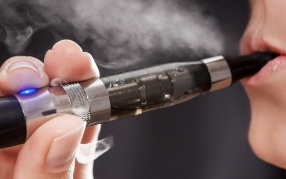 Thurrock Council's Public Health team says switching to e-cigs could be a way to love your lungs!