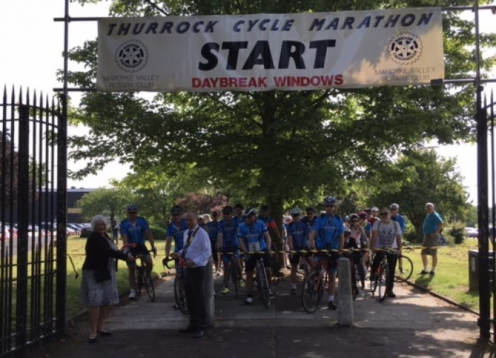 Mayor impressed as hundreds of riders taking part in Thurrock Cycle Marathon