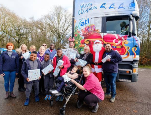 DP World London Gateway and ATL Haulage Contractors Ltd make special, festive delivery to Little Havens Hospice.