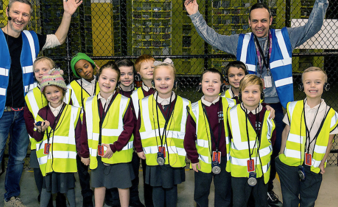 Woodside Academy pupils give Amazon Tilbury the thumbs up