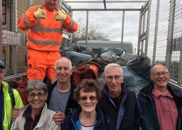Grays Beachcombers clean up Purfleet foreshore