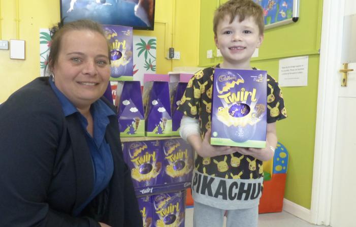 Basildon Hospital kids have eggstra special visits for Easter