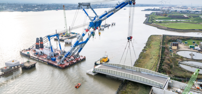 Graham bridges the gap with milestone at major new port construction in Tilbury