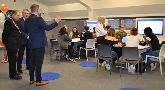 Mayor of Thurrock visits USP College's A Level Centre