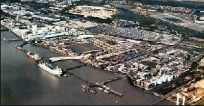 Thirteen people found in a container in Purfleet Docks