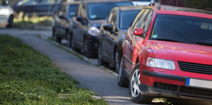 Pavement parking ban could be introduced in Thurrock