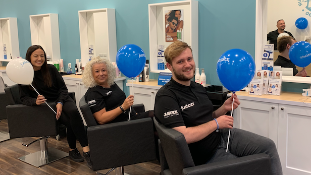 Holly jumps at the chance to run her own salon at Lakeside