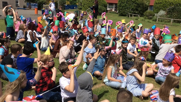Stanford-le-Hope Primary celebrate Royal Wedding